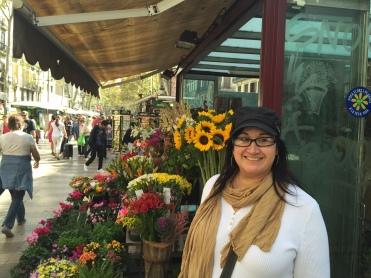 La Rambla's cute flowershop kiosks