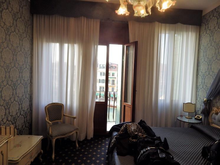 Rialto Bridge Honeymoon and anniversary junior suite